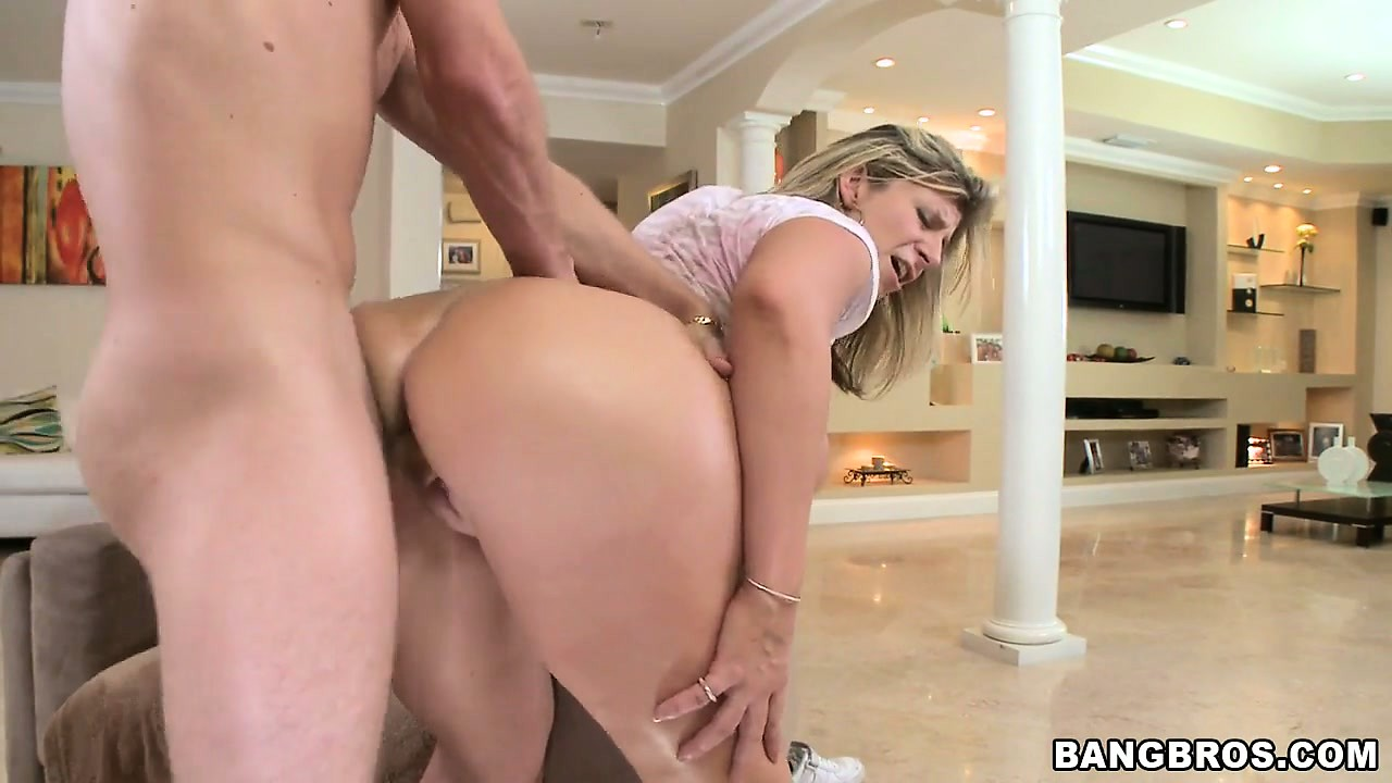 Porno Video of Sara Jay And Lexxxi Lockhart Get Rowdy Riding A Big Bucking Cock