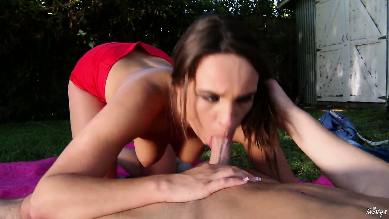 Porn Tube of This Outdoor Sex Enthusiast Chokes On Her Lover's Thick Cock