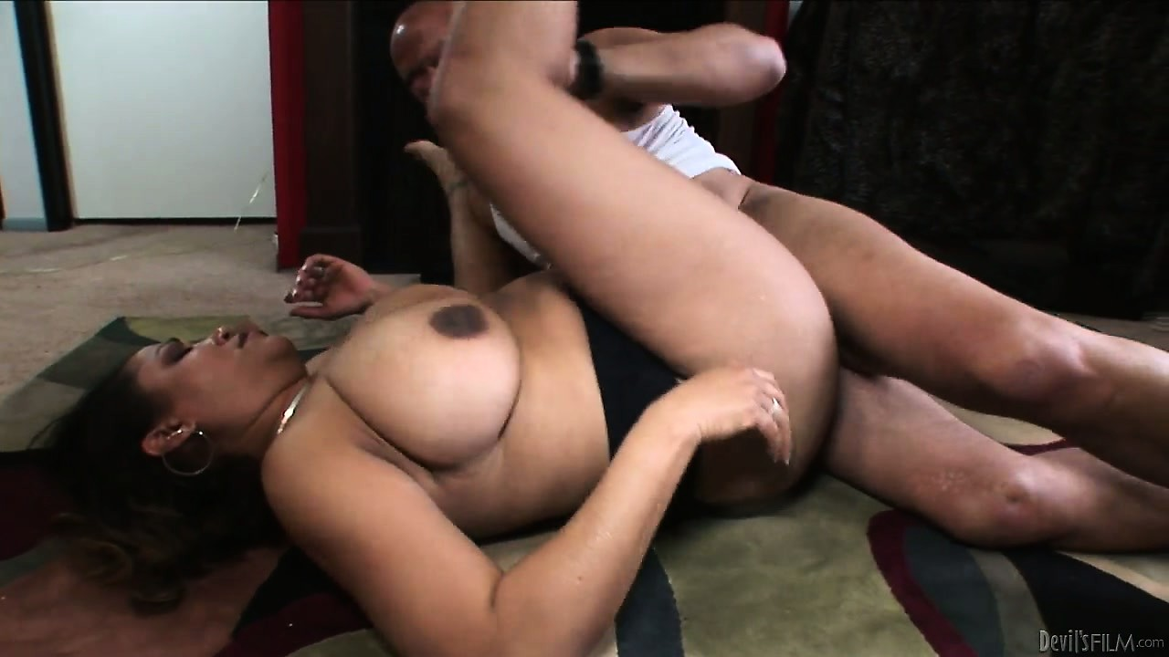 Porno Video of Chunky Latina Mom Takes A Stiff Piece Of Meat In Her Furry Muff