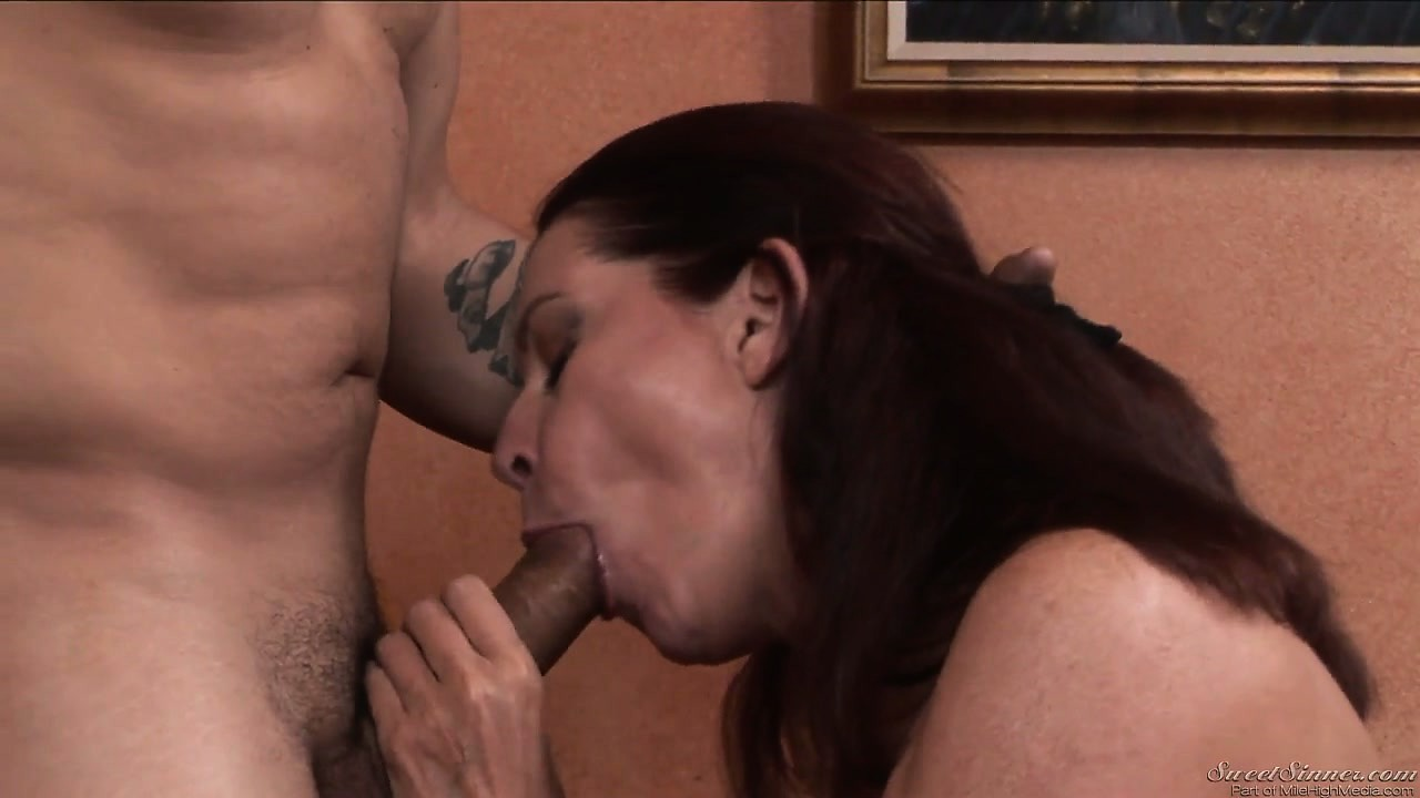 Sex Movie of On Her Knees, The Horny Brunette Gives Him A Great Blowjob Before Riding His Cock